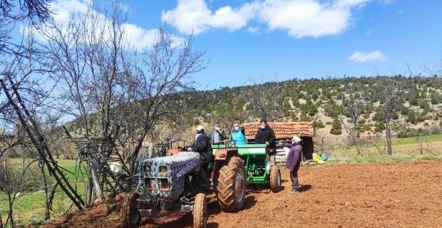 Hisarcık'ta çörekotu ekimi yapıldı