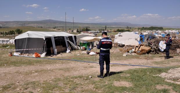 Çadırda yaşayan aile karantinaya alındı