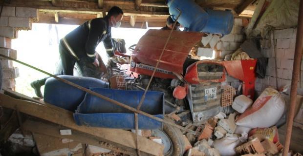 Domaniç'te traktör kazası: 2 yaralı