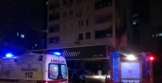 Evde çıkan yangında 1 kişi öldü, 3 kişi yaralandı