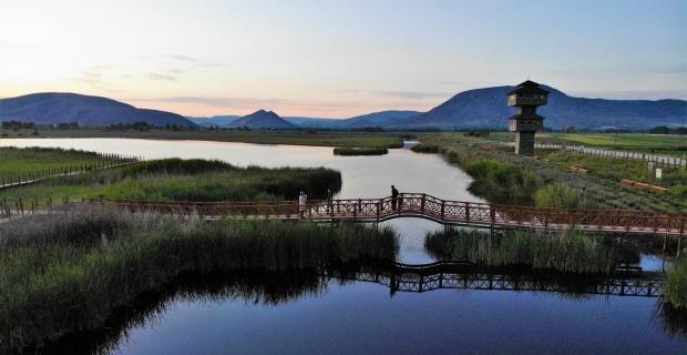 Kaz gölünde gün batımı hayran bırakıyor