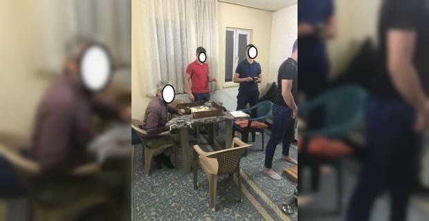 Köy odasına kumar baskınında 7 kişiye 9 bin 352 lira para cezası kesildi