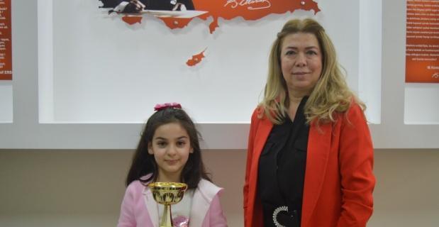 4 dünya birinciliği Elif Zeynep'ten