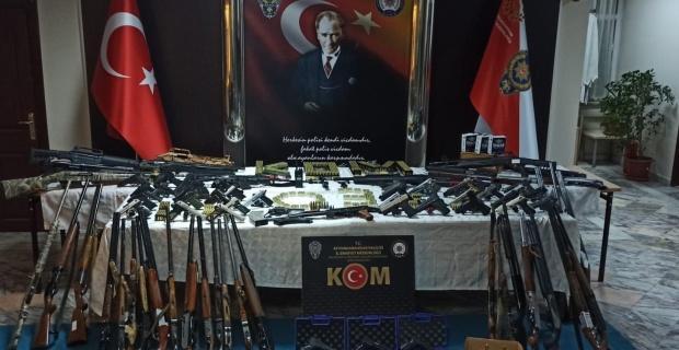 Silah kaçakçılarına yönelik operasyonda 9 tutuklama