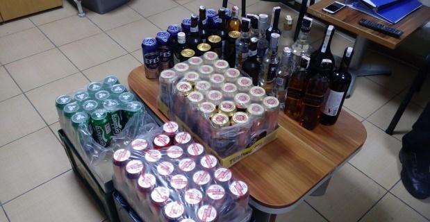 Araçta alkol satışı yapıldığı tespit edildi