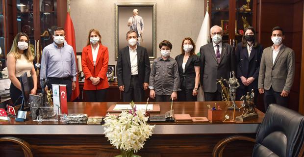 Ataç'tan Dünya 5'incisi Öğrenciye Tebrik