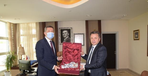 Bakan Selçuk Rektör Şenocak ile buluştu