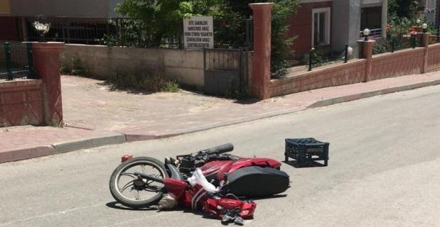 Kaza yapan ehliyetsiz sürücü yaralandı