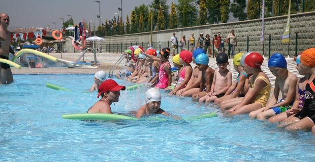 Açık olimpik yüzme havuzu hizmete açılıyor
