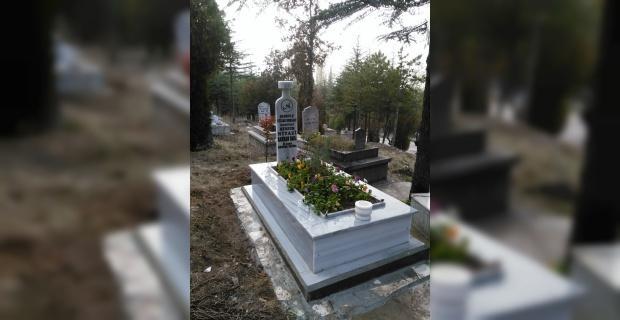 Bektaşi Şeyhi Niyazi Rahman'nın kabri yenilendi