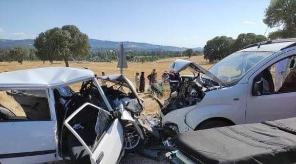 Trafik kazasında ölü sayısı 2'ye yükseldi