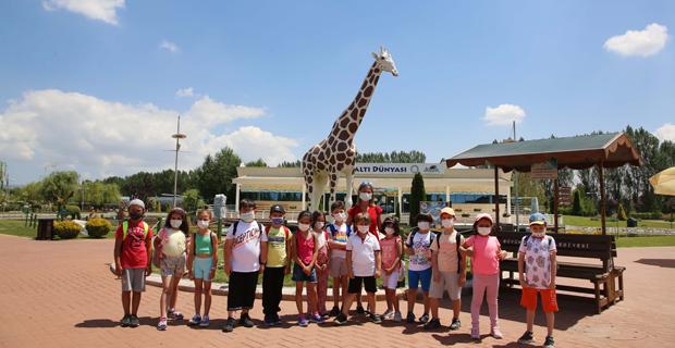 Hayvanat bahçesi minik misafirlerini ağırladı