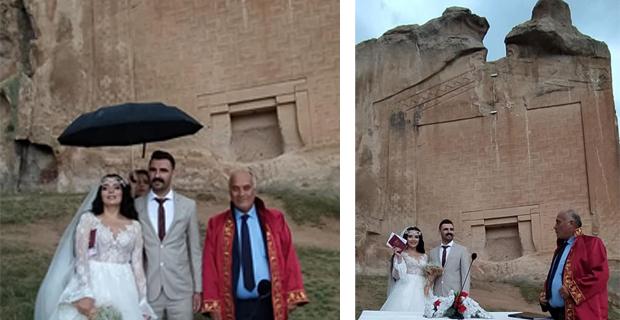 Yazılıkaya'da ilk nikah