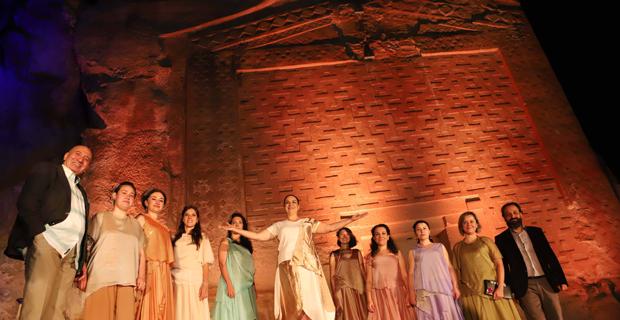 Yazılıkaya'da  Tarihi oyun