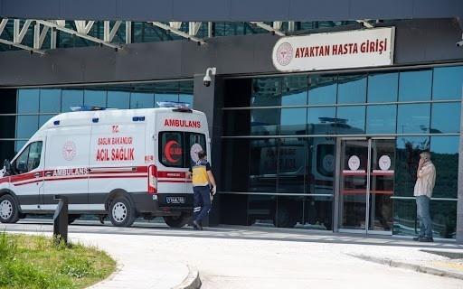 Alüminyum pres makinesine ayağını sıkıştıran işçi yaralandı