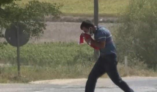 Engelli vatandaş Türk bayrağına böyle sahip çıktı