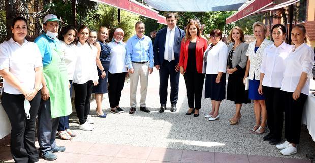 İzmir Milletvekili Ataç'ı ziyaret etti