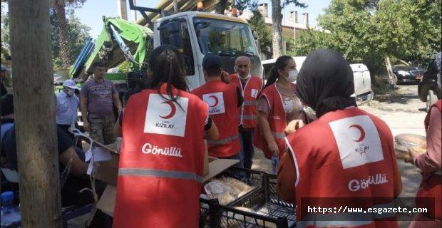 Kızılay'dan yangın bölgesine destek