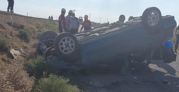 Devrilen otomobilde sürücü öldü