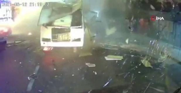 Rusya'da otobüsteki patlama anı kamerada