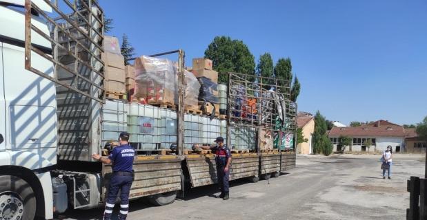 TIR'da 5 ton kaçak benzin yakalandı