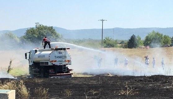 Traktörüyle ot biçerken yangına sebep oldu
