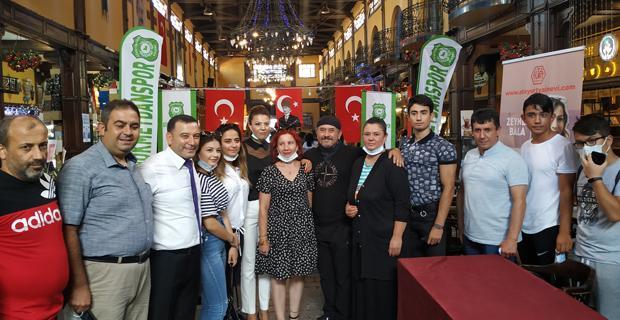 Zeynep Bala'dan imza günü