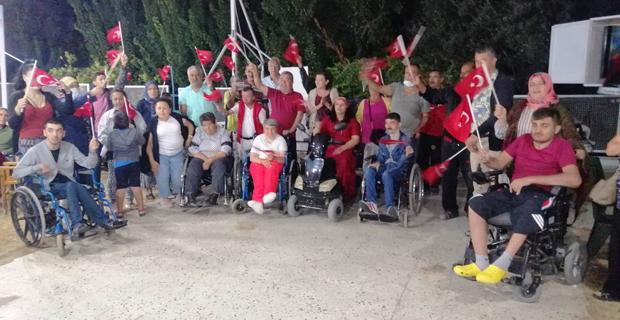470 Km uzakta Eskişehir'in kurtuluşunu kutladılar