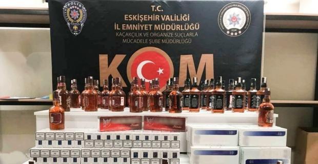 42 şişe sahte içki ve 870 paket kaçak sigara ele geçirildi