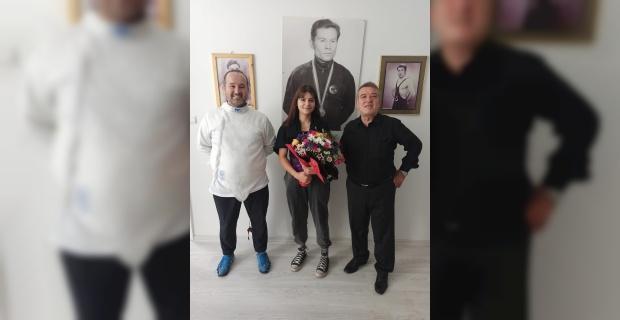 Eskişehir'de '5'nci Geleneksel Osman Zeki Özden Eskrim Şenliği'