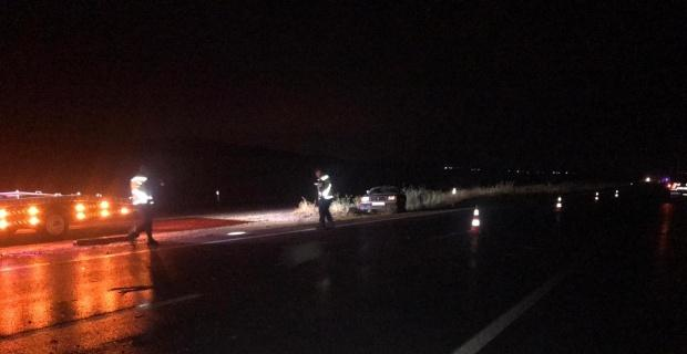 İki otomobil çarpıştı, biri çocuk 4 kişi yaralandı