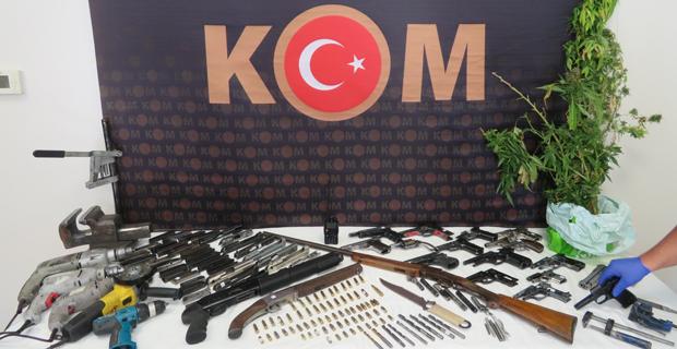 Kaçak silah operasyonu: 9 gözaltı