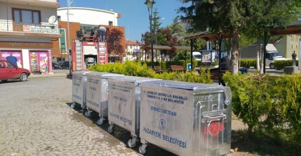 Pazaryeri'ne 57 adet çöp konteyneri geldi