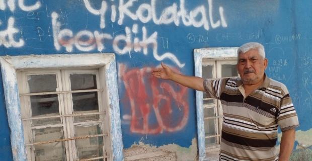 Tarihi evlerin duvarları yazı tahtasına döndü