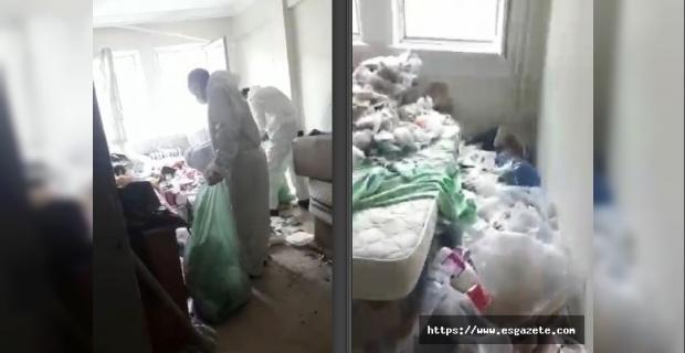 Ağır koku gelen evden 7 ton çöp çıktı