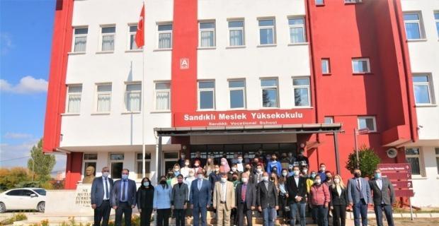 Başkan Çöl üniversite öğrencileri ile bir araya geldi