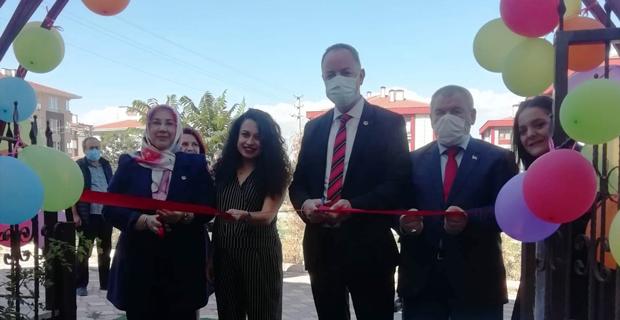 BBP Gülen Gözler Özel Eğitim merkezinin açılışıma katıldı