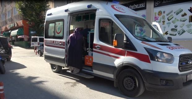 Bilecik'te 2 otomobil çarpışması sonucu 2 kişi yaralandı