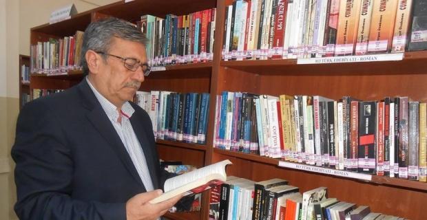 Eskişehirli şair Ahmet Urfalı'nın şiirleri 'Felemenkçe' diline çevrildi