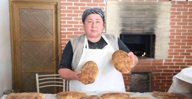 100 yıllık yöresel ekmekle kendi işinin patronu oldu