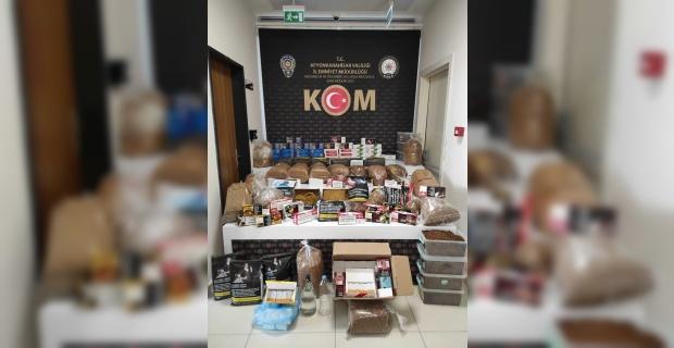Polis 5 işyerine kaçak makaron ve tütün operasyonu yaptı