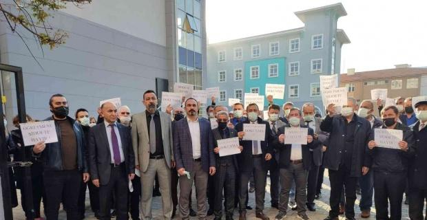 Sendikalar darp edilen öğretmen için toplandı