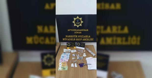 Uyuşturucu operasyonunda yakalanan 2 kişiden 1'i tutuklandı