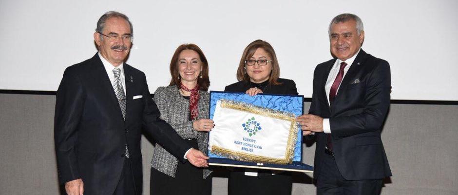 Akçasoy Türkiye Kent Konseyleri Başkanı oldu