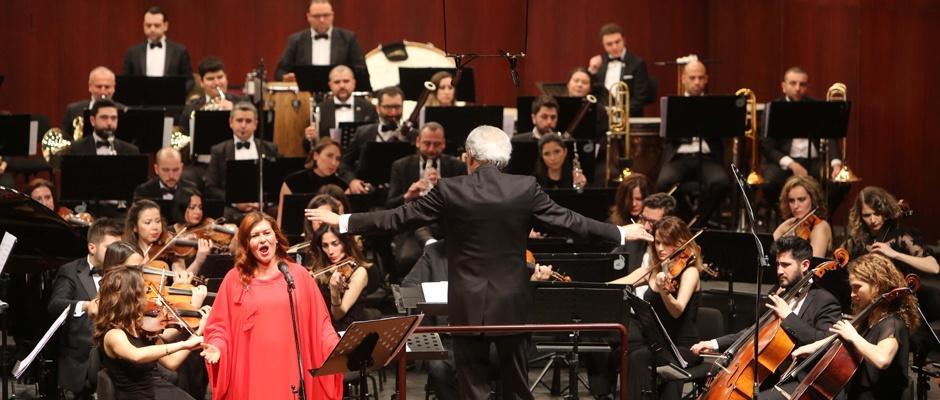 Senfonide soprano rüzgarı esti