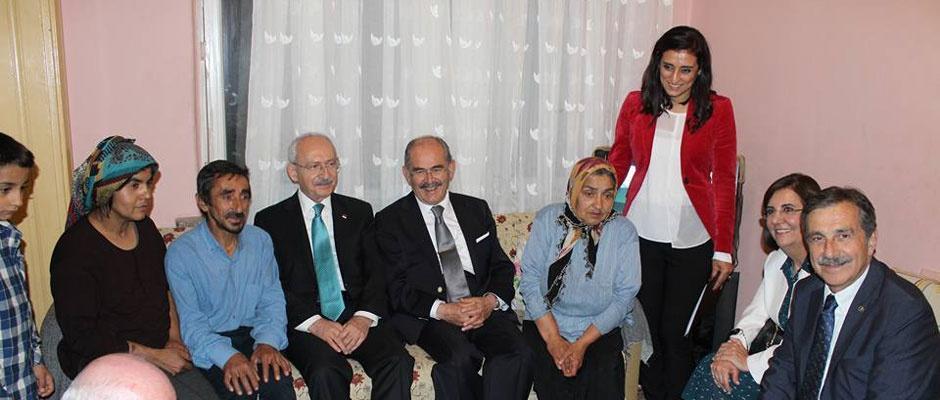 CHP lideri Kılıçdaroğlu'ndan ev ve kıraathane ziyareti