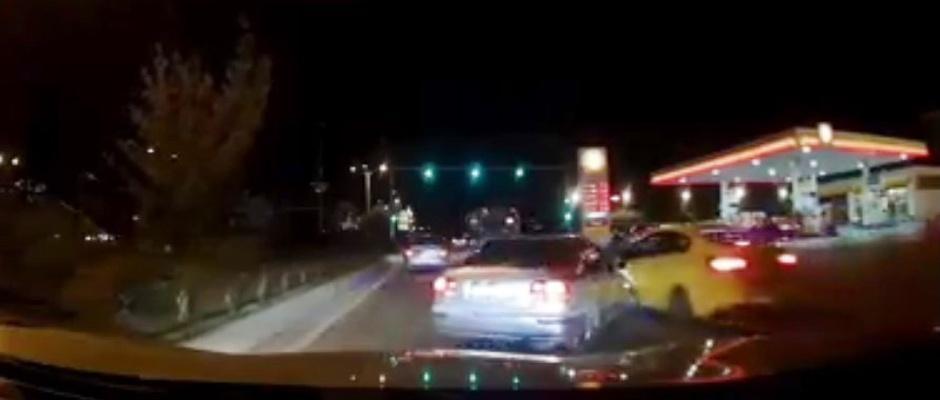 Kaza anı araç kamerasına yansıdı