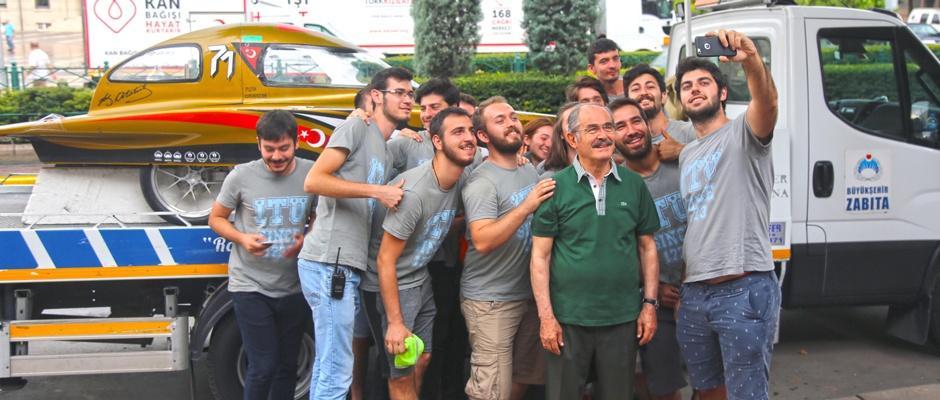 Güneş arabası ekibinden Büyükerşen'e ziyaret