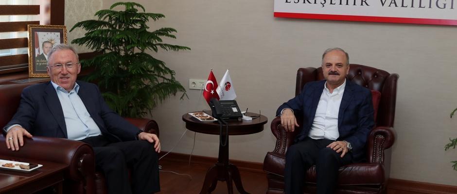 Büyükelçi Mercan, Vali Çakacak'ı Ziyaret Etti