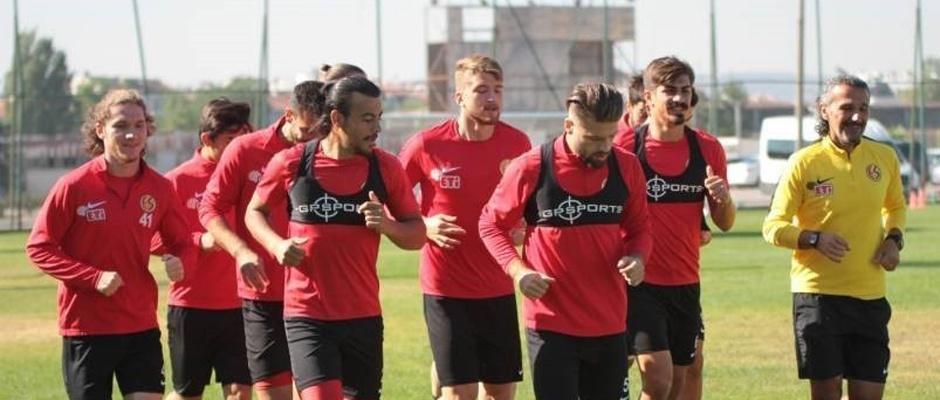Eskişehirspor'un gençleri ağabeylerini aratmıyor